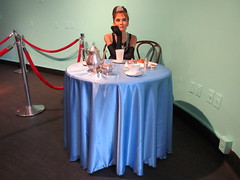2019 Audrey Hepburn as Holly Golightly in Wax 3834 (Brechtbug) Tags: 2019 brad pitt sidewalk wax display madame tussauds 42nd street midtown manhattan museum nyc 10022019 october sometimes vampire new york city museums public royal uk england brit britain british tussaud s mannequin mannequins dummies dummy interview with