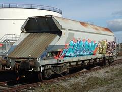 33706955084-2 1 Fabfnoos 021019 (stevenjeremy25) Tags: railway graffiti wagon train art tag herzog