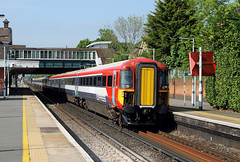 442417 442403 Horley (CD Sansome) Tags: tsgn thameslink southern great northern gtr govia railway train trains horley station gatwick express 442 442403 442417 brighton main line