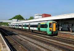 377158 Redhill (CD Sansome) Tags: tsgn thameslink southern great northern gtr govia railway train trains 377 electrostar redhill station 377158