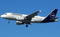 (Riik@mctr) Tags: manchester airport egcc dailk ringway airfield runway lufthansa airbus a319 msn 679