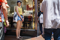 One-eyed (人間觀察) Tags: 28mm f14 7artisans 七工匠 leica leicam hong kong street photography people candid city stranger public space walking off finder road travelling trip travel 人 陌生人 街拍 asia girls girl woman 香港 wide open