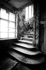 Schwarzeck (36 von 58) (A.K. 90) Tags: blackandwhite schwarzweis stairs steps windows inside lostplace urbex urbexgermany urbandecay urban aband weathered verlassen exploration old alt sonyalpha6300 samyang12mm20 artistic thüringen sanatorium
