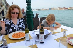 Lunch At Trattoria Ai Cacciatori (Joe Shlabotnik) Tags: italia venice giudecca italy 2019 violet proudparents canal sue april2019 venezia afsdxvrzoomnikkor18105mmf3556ged
