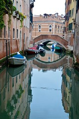 Rio dei Frari (Joe Shlabotnik) Tags: italia bridge 2019 italy canal april2019 venice venezia afsdxvrzoomnikkor18105mmf3556ged faved