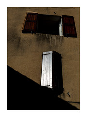 open & closed (Armin Fuchs) Tags: arminfuchs nomansland sisteron windows diagonal reflection wall niftyfifty anonymousvisitor thomaslistl wolfiwolf jazzinbaggies piotrdebinski