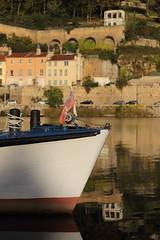 Bords de Saône (4) (denisg.photo@orange.fr) Tags: canoneos6d saône lyon bateau boat maison building river rivière drapeau flag
