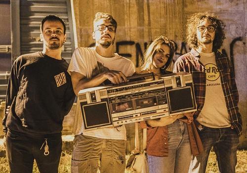 Mutonia #rock 🎸 #alternative #funky  🎥#elettritv💻📲 #musicaoriginale #webtv #musica #mutonia 🙌 #radio #canalemusicale #concerti #underground #sottosuolo 📻 #music #webtvmusicale 👹 #dalviv