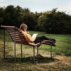 the reader (Bim Bom) Tags: saarland berus peoplereading