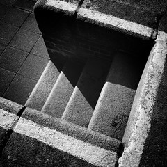 Steps, Brentford Gauging Lock (dominicirons) Tags: brentford westlondon middx middlesex local canal steps blackwhite blackandwhite lock