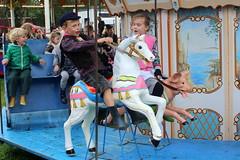 Into the great wide open (Davydutchy) Tags: nijhoarne nieuwehorne fryslân friesland frisia frise nederland niederlande netherlands paysbas holland flaeijel flaeijelfeest flaeijelfestival feast festival village dorpsfeest kermis funfair fair kirmes výstaviště rummel rummelplatz merke draaimolen merrygoround carrousel boy girl horse september 2019