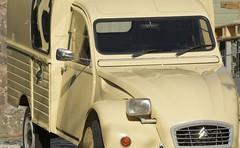 Fourgonette (Tony Tooth) Tags: nikon d7100 nikkor 55300mm citroen 2cv deuxchevaux fourgonette van car vehicle pristine cream grindon staffs staffordshire