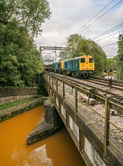 The Roaring Twenties (Kingmoor Klickr) Tags: gordonedgar 20107 20096 6z36 crewe pinnox canal harecastletunnel trent mersey longport rail dc