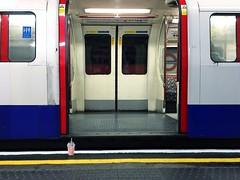 06F8FC59-1009-438F-9DCF-FAA7BFD389F0 (romainlettuce) Tags: unitedkingdom london underground tube elephantandcastle bakerlooline trash smoothie iphonephotography streetphotography