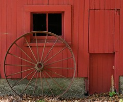 Wheel (remiklitsch) Tags: remiklitsch leica miksang newyork fall wheel red barn