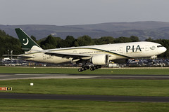 Pakistan Internatinal 777-200LR AP-BGY at Manchester Airport MAN/EGCC (dan89876) Tags: pakistan international airlines pia boeing 777 777200lr 777240lr b77l manchester airport landing 23r arrival man egcc