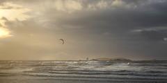 Grandes marées d'équinoxe à Saint Malo (bruno.astorg) Tags: bretagne brittany brunoastorg ciel couchant europe france grandesmarées hdr illeetvilaine landscape paysage saintmalo seascape storm tempète viewsfactory mer sea vagues waves kitesurf