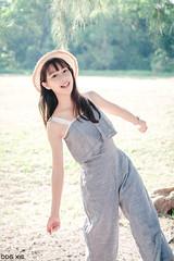 XT30-DSCF7747-p-s (DDG XIE) Tags: 人像 portrait 芊聿 小清新 甜美 sweet pretty cute girl lady beauty light 草地