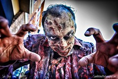 The Walking Dead (Sam Antonio Photography) Tags: thewalkingdead thewalkingdeadamc comiccon comicconinternational sandiegocomiccon costume cosplay cosplayer zombie scary wide angle canoneos5dmarkii sdcc sdcc2019 dead horror close male man walkers halloween costumes halloween2019 walkingdead