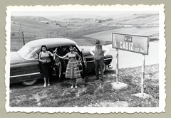 "1952 Oldsmobile 98 (Vintage Cars & People) Tags: vintage classic black white ""blackwhite"" sw photo foto photography automobile car cars motor vehicle antique auto oldsmobile olds fashion 1950s 50s fifties carretera nacional n340 cadiz andalucia andalusia family trip roadtrip travel dress skirt hat vest shirt pinstripe"