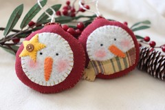 Rustic Pair of Blushing Snowman Ornaments (TheFriendlyCo.) Tags: etsy friendly eco reclaimed recycled felt decoration handmade embroidered hanging ecofriendly snowman blushing ornament holiday winter christmas gift primitive rustic folk country prim