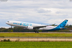 airbus A330-900 NEO Airbus Industrie (F-WTTN) (lucas slow) Tags: avions ciel cockpit photo spotting airport chr lflx châteauroux landing takeoff taxiing turboréacteurs winglets transport roues airbus a330900 neo a339 a330 industrie fwttn