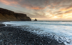 Talisker Bay Sunset, Isle of Skye (Michael Long Landscaper) Tags: scotland taliskerbay talisker highland highlands isle skye beach rocks coastal uk travel waterscape landscape seascape waves sand black bay cliffs sunset sun sky sea ocean britain isleofskye mountains longexposure