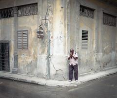 Streets of Havana - Cuba (IV2K) Tags: havana habana lahabana cuba cuban cubano kuba caribbean habanavieja centrohavana mamiya mamiya7 mamiya7ii mediumformat kodak kodakfilm 120film 120 street film filmphotography portra kodakportra800 portra800