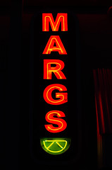 Margs (dangr.dave) Tags: fortworth tx texas downtown historic architecture cowtown tarrantcounty panthercity west7th margs lemon limon lime neon neonsign crockettrow