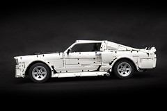 Fredleg on rebrickable took these amazing Ford Mustang photos !! Follow @loxlego