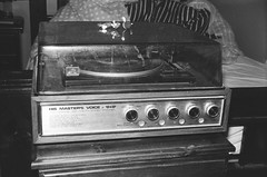 His Master's Voice record player (Matthew Paul Argall) Tags: beirettevsn 35mmfilm kentmerepan100 100isofilm blackandwhite blackandwhitefilm manualfocus recordplayer hismastersvoice gramophone phonograph record player disc disk