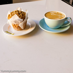 Coffee and Muffin (garydlum) Tags: canberra australiancapitalterritory australia