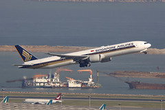9V-SWK, Boeing 777-300ER, Singapore Airlines, Hong Kong (ColinParker777) Tags: boeing 777 773 77w 777300er singapore airlines sq sia takeoff departure plane airplane aircraft aviation fly flying flight airliner airways airbus hkg vhhh hong kong chek lap kok airport international canon 200400 l lens zoom telephoto pro cockpit sky tower water landscape city sea ocean 34576 644 777312er b777312er 5dsr