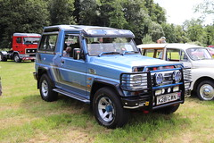 Daihatsu Fourtrak TDX Turbo K281CWN (Andrew 2.8i) Tags: show automobile auto voiture cars car classics classic carmarthenshire arms bronwydd day transport railway gwili japanese offroad 4x4 4wd suv sportutilityvehicle turbo tdx fourtrak daihatsu k281cwn