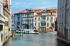 Rio de Ca' Foscari (Joe Shlabotnik) Tags: italia grandcanal 2019 italy canal venice april2019 venezia afsdxvrzoomnikkor18105mmf3556ged