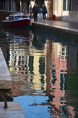Rio de la Frescada (Joe Shlabotnik) Tags: italia reflection 2019 italy canal april2019 venice venezia afsdxvrzoomnikkor18105mmf3556ged