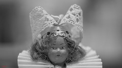 Headwear - 7499 (✵ΨᗩSᗰIᘉᗴ HᗴᘉS✵84 000 000 THXS) Tags: headwear tocados monochrome sony sonyilce7 macro blackandwhite old doll looking close friday lookingcloseonfriday