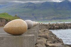 UOVA DI PIETRA (ADRIANO ART FOR PASSION) Tags: islanda islande nikon nikond7200 18300 djupivogur uova artista scultore 62mm merrybay iceland uovadidjupivogur