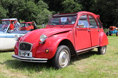 Citroen 2 CV6 Special D161HPW (Andrew 2.8i) Tags: show automobile auto voiture cars car classics classic carmarthenshire arms bronwydd day transport railway gwili french economy special 2cv 2cv6 citroen d161hpw