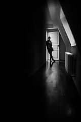 First day in the new apartment (Black&Light Streetphotographie) Tags: mono monochrome menschen menschenbilder urban people personen portrait leute lichtundschatten lightandshadows wow tiefenschärfe gegenlicht dof deepoffield city closeup bw blackandwhite blackwhite bokeh bokehlicious sony sonya7rii