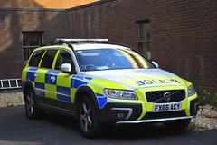 FX66 ACY (S11 AUN) Tags: lincolnshire police volvo xc70 d5 4x4 anpr armed response vehicle arv traffic car roads policing unit rpu 999 emergency fx66acy
