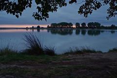 Amanecer nuboso (pascual 53) Tags: amanecer canon xabi 1dmarkiii laguna ablitas lor colores tormenta largaexpo navarra 28mm