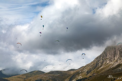 Fassa Sky Expo 2019 (iLaura_) Tags: fassaskyexpo2019 paragliding parapendio dolomiti valdifassa campitellodifassa colrodella panorama landscape