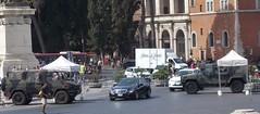 (Uno100) Tags: land rover iveco security vehicle police polizia rome roma italy fiat fca 2019