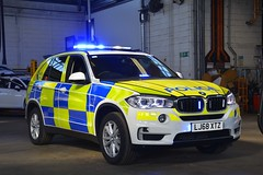 LJ68 XTZ (S11 AUN) Tags: lincolnshire police bmw x5 xdrive30d 4x4 anpr armed response vehicle arv traffic car roads policing unit rpu 999 emergency exdemo demonstrator lj68xtz