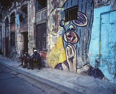Streets of Havana - Cuba (IV2K) Tags: havana habana lahabana cuba cuban habanavieja centrohavana grafitti street mamiya mamiya7 mamiya7ii mediumformat 120 analog film filmphotography kodak kodakektar ektar ektar100 kodakfilm