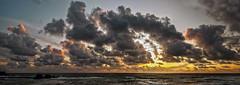 Cornish Sunset 3 (Panorama) (L I C H T B I L D E R) Tags: panorama uk england cornwall bude sunset sonnenuntergang meer ocean beach strand cornishsunset clouds wolken sonne sun summerleazebeach flexbury southwestcoast ngc