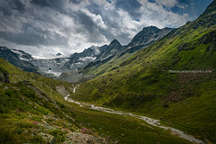 Politique vérolée (Fabrice Le Coq) Tags: vert green mountains sky clouds ompe greenpeace goodplanet saveplanet landscape switzerland running loverunning hiking colors naturalclimatesolutions fabricelecoqfoto