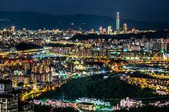 達觀鎮 - 台北夜景 (S.R.G - msucoo93) Tags: 台灣 台北 新店 gx8 sigma56mmf14