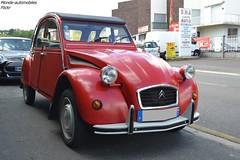 Citroën 2cv (Monde-Auto Passion Photos) Tags: voiture vehicule auto automobile cars citroën 2cv deuche deudeuche red rouge ancienne classique collection france saintpierrelèsnemours